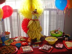 curious george birthday party ideas | ... About the Tables: Curious Colin's Curious George 1st Birthday Party