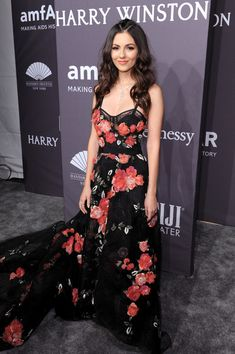 Actress Victoria Justice attends the amfAR New York Gala 2017.