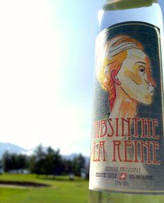 Absinthe La Reine Absinthe La Valote Martin | 70 cl | 72% Vol. Ausgezeichnete Komposition aus perfekt aufeinander abgestimmten Kräutern. Durch den besonders hohen Pflanzenanteil bleibt der Alkoholgeschmack dezent im Hintergrund.  www.absinthe-lareine.ch