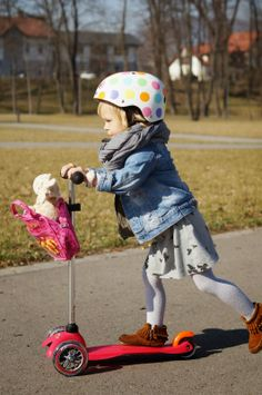 Różowa hulajnoga Mini Micro dla dwuletnich dzieci http://www.aktywnysmyk.pl/75-hulajnoga-mini-micro