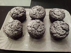 Muffin al cioccolato con cuore di cacao liquido