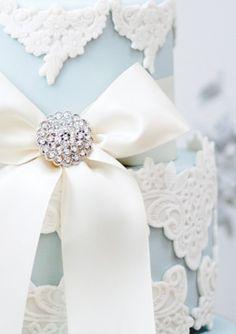 Blue Vintage Lace wedding cake close up