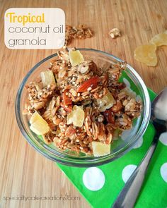 This Tropical Coconut Oil Granola is guaranteed to make your morning more pleasant as it transports you to any of your preferred island destinations. Also, a giveaway for 1 gallon Tropical Traditions Virgin Coconut Oil. Granola Recipe Coconut Oil, Coconut Recipes, Healthy Recipes, Healthy Options, Healthy Liver, Healthy Eating, Brunch Recipes, Breakfast Recipes, Organic Coconut Oil