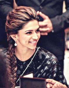 Deepika Padukone, smile, beauty, tresse.