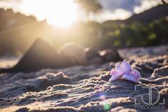 Ensaio fotográfico de gestante na praia realizado por JD Fotografia