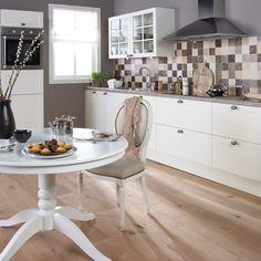 Prachtige mozaïek achterwand in 10 x 10 cm in de Oxford creme keuken van Bruynzeel keukens!