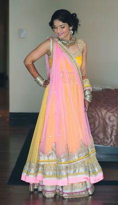 glamorous ~~ For more:  - ✯ http://www.pinterest.com/PinFantasy/moda-~-elegancia-oriental-oriental-elegance/