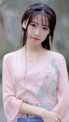 chinese girl show: Asian Cute, Cute Asian Girls, Cute Girls, School Girl Japan, Japan Girl, Chinese Traditional Costume, Cute Japanese Girl, Poses References, China Girl