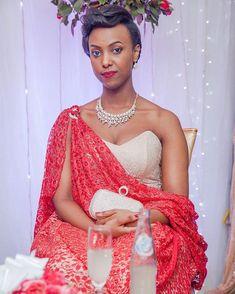 Best African Dresses, African Wear, African Fashion Dresses, Traditional Wedding Decor, Traditional Dresses, Traditional Ideas, African Wedding Attire, Weeding Dress, African Print Fashion