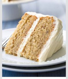 Banana Cake with Fluffy Cream Cheese Frosting – One of my favorite cakes! Always… Banana Cake with Fluffy Cream Cheese Frosting – One of my favorite cakes! Always a hit! Fluffy Cream Cheese Frosting, Cake With Cream Cheese, Recipes With Cream Cheese, Frosting Recipes, Cake Recipes, Dessert Recipes, Buttercream Frosting, Picnic Recipes, Marshmallow Frosting