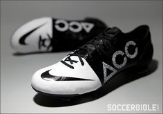 Nike GS II ACC Football Boots - Black/White - http://www.soccerbible.com/news/football-boots/archive/2012/11/22/nike-gs-ii-acc-football-boots-black-white.aspx