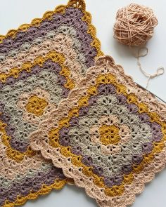 How to make point in range - step by step and video tutorial - Crochet Free Crochet Mandala Pattern, Crochet Square Patterns, Crochet Blocks, Crochet Stitches Patterns, Crochet Squares, Crochet Designs, Knitting Patterns, Granny Squares, Crochet Afghans