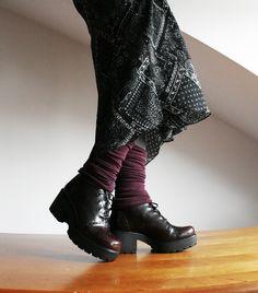 Vagabond Dioon: bordowo-czarne wiązane poatformy/glany. Z jesienno - zimowej kolekcji. Teraz użyj kodu MOBCASY20 aby otrzymać rabat 20%. http://www.raspberryheels.com/shop/produkt,pl,women,dioon-burgund.html