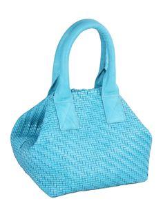 Bolsa feminina de couro tresse confeccionada artesanalmente.