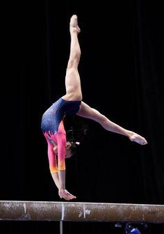 Um ginasta tem a força de um halterofilista e o coração de uma bailarina <3