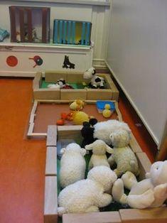 Farm 2017, Farm Animals Preschool, Early Years Classroom, Spring Animals, Farm Unit, Farm Activities, Spring School, Farm Crafts, Preschool Lesson Plans