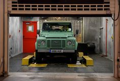 Land Rover Commemorates Their Daily Workforce In This Inspiring Brand Spot. Thanking all the makers, buffers and shapers who get paid to create at Land Rover.