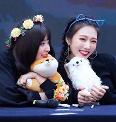 Red Velvet - Seulgi & Joy #kpop Red Velvet Joy, Red Velvet Seulgi, South Korean Girls, Korean Girl Groups, Kpop Girls, Sugar Baby, Babe, Idol, Lovers