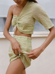 Paloma Wool is my name and the name of this project. A project on photography, clothing and other experiments. From Barcelona. Green Fashion, Boho Fashion, Fashion Outfits, Fashion Tips, Paloma Wool, Cool Style, My Style, Medieval Clothing, Apron Dress