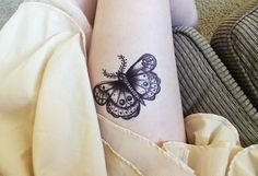 Os mais lindos modelos de tatuagens femininas delicadas para tatuar! Encontre uma tatuagem feminina perfeita para você! Clique e veja!