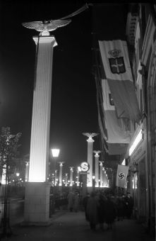 Berlin im September 1937 Geschmueckte Unter den Linden (mit S-Bahnhof)