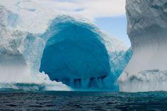 """Lodowa jaskinia"""" , ANTARKTYDA , Półwysep Antarktyczny"""