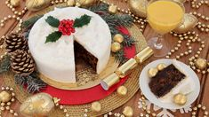 Our queen of the Kitchen, Catherine Leydon is showing us all how to make a start on a festive staple, the Christmas cake.
