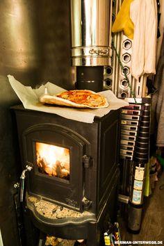 Holzofen im Wohnmobil - genial zum Pizza backen unterwegs!