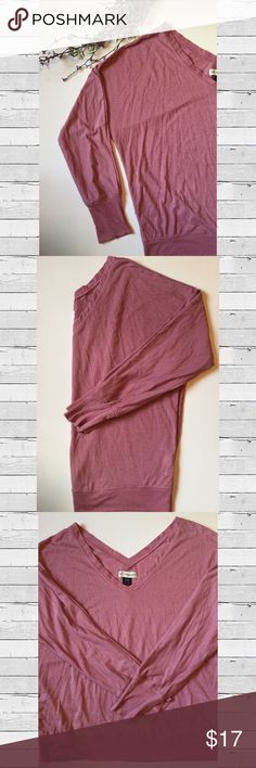🆕 ✨HP✨ AEO V-neck Top w/silver Stripe Detail American Eagle 3/4 Sleeve top.  Soft, on the thinner side, dusty pink with thin silver stripes.  Banded sleeves and waist band.  Front and back v-neck!  ✨Host Pick - Pumpkin Patch Perfect! ✨ American Eagle Outfitters Tops Tees - Long Sleeve