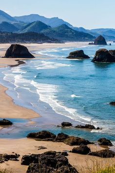 Planning to visit Oregon? Here are 13 Oregon things to do to put on your Oregon road trip itinerary. Don't take a road trip to Oregon before reading these Oregon travel tips! Plan your bucketlist itinerary with these fun things to do and places to visit. This travel guide includes ideas like the Goonies Trail and Cannon Beach, Lava River Cave in Bend,  and the Falls Hike on the McKenzie River.  #Oregon #roadtrip #traveltips #USAtravel #roadtrips #vacation #familytravel #adventuretravel