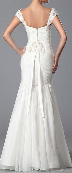 Robe de mariée sirène décolleté coeur sans traîne #eDressit #mariée #mariage #robe #solde #remise #réduction #broderie #dentelle #mousseline #soie #floral #bijou #mode