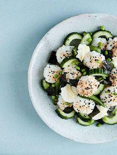 Kolme hittisalaattia kesän piknikeille – nämä salaatit eivät muhjuunnu - Ruoka   HS.fi Avocado Egg, Avocado Toast, Eggs, Vegetarian, Cooking, Tofu, Breakfast, Ethnic Recipes, Sushi