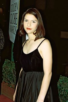 18 Brutal Pics Of Celebrity Teen Angst Old Celebrities, Celebs, Vintage Outfits, Vintage Fashion, Claire Danes, Hugh Dancy, Dressed To The Nines, Romeo And Juliet, Woman Crush