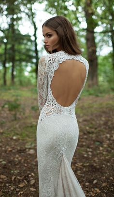 lace wedding dress open back.  Love the back.