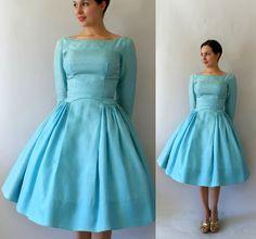 Vintage Dress Aqua Silk Party so damn cute Vintage 1950s Dresses, Vestidos Vintage, Vintage Outfits, 1950s Fashion, Vintage Fashion, Evening Dresses With Sleeves, Dress Me Up, Dot Dress, Up Girl