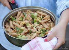 Makaron z kurczakiem i brokułami Kiwi, Penne, Mozzarella, Pasta Salad, Cabbage, Chicken, Vegetables, Ethnic Recipes, Food