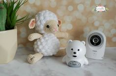 Free crochet pattern for a cute little lamb