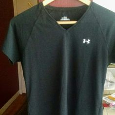 NWOT Under Armour Black Shirt Size Small Aloha! This item is a NWOT Under Armour shirt in a deep black, size women's small. In great condition and super light and comfy! Under Armour Tops Tees - Short Sleeve