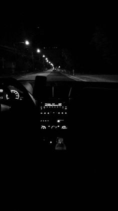 Black and white photography I Feel Numb, Late Night Drives, Night Aesthetic, Snapchat Picture, Black And White Aesthetic, Night Driving, Tumblr Photography, Photography Basics, Scenic Photography