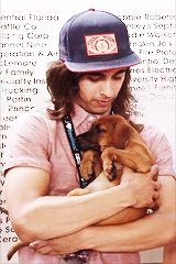 ;-; gif vic kissing the puppy cutest thing ever