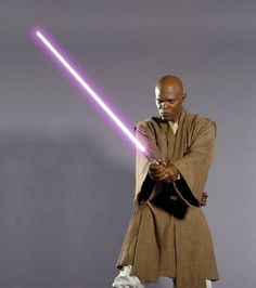 Samuel L Jackson as Mace Windu in Star Wars VI: Revenge of the Sith Star Wars Pictures, Star Wars Images, Star Wars Jedi, Star Wars Art, Star Wars Characters, Star Wars Episodes, Dc Comics, Jedi Costume, Samuel Jackson