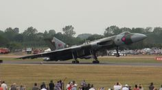 Avro Vulcan XH558 howling at RIAT - the very last time in 2015