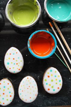 Mil Grageas: Los poderosos PALILLOS, Learn how to decorate easter egg cookies using wood sticks!!