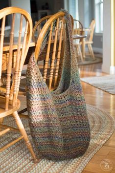 Market Bag Crochet Pattern XL Edition Free | THE PAINTED HINGE ~ She says large enough to fit a small child in. ~