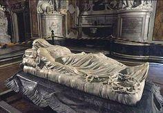 Il Cristo velato è una scultura marmorea di Giuseppe Sanmartino, conservata nella napoletana Cappella Sansevero. La scultura, realizzata nel 1753, è considerata uno dei maggiori capolavori scultorei mondiali, ed ebbe tra i suoi estimatori Antonio Canova, che, una volta tentato di acquistare l'opera, sì dichiarò disposto a dare dieci anni della propria vita pur di essere l'autore di un simile capolavoro.