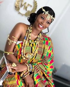 Ghana Traditional Wedding, African Traditional Wedding Dress, African Fashion Traditional, African Print Dresses, African Print Fashion, African Fashion Dresses, African Dress, African Wedding Attire, African Attire