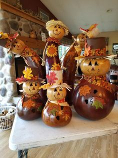 Decorative Gourds, Hand Painted Gourds, Painted Pumpkins, Halloween Gourds, Halloween Crafts, Halloween Decorations, Thanksgiving Crafts, Fall Crafts, Holiday Crafts
