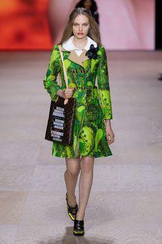 2020 Fashion Trends, Fashion 2020, Runway Fashion, Womens Fashion, Louis Voitton, Louis Vuitton Dress, Ball Dresses, Pattern Fashion, Catwalk