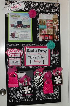 Hang Up Home Organizer used for Vendor events. If you are in direct sales or if you are not, you WANT this. IMAGINE it used for school or office work . luv the little bags at the bottom to pick the prize ! Thirty One Party, My Thirty One, Thirty One Gifts, Vendor Table, Vendor Booth, Mary Kay, Thirty One Consultant, Paparazzi Consultant, Consultant Business