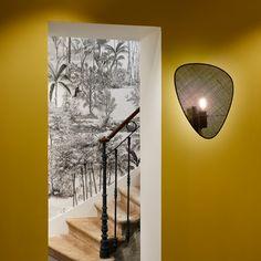 Applique murale Screen simple avec écran en cannage noir par Market Set Indoor, Celestial, Mom, Lighting, Design, Products, Light Fixtures, Lights